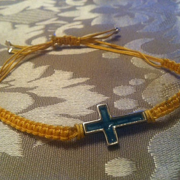 Bracelet in sterling silver with cross with thin enamel type stained glass and macrame/Bracelet in sterling silver with thread fine enamel cross with stai