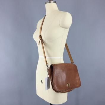Vintage 1970s Coach Bag / 70s Coach Shoulder Bag / Coach Messenger Bag / Crossbody Pur