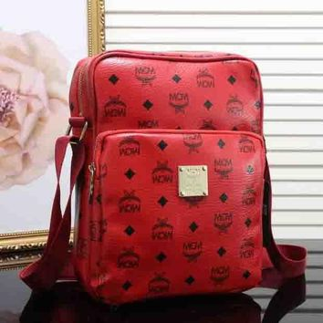 DCCKJ1A MCM Stylish Retro Leather Shoulder Bag Crossbody Satchel Red I