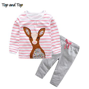 Top and Top Baby Clothing Sets 2017 Autumn Striped Deer T-shirts+Pants 2PCS Baby Girls Outfits Set Newborn Girls Sports Clothes