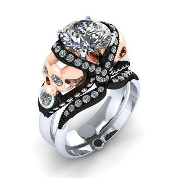 Skull Engagement Ring in 18 kt