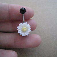 Beatiful White Daisy Flower Belly Button Ring, Belly Ring,