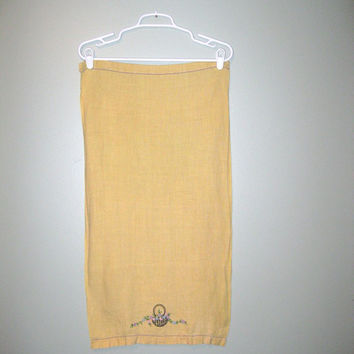 Vintage 50s Large Yellow Tea Towel / Kitschy Home Decor / Mid Century Towel / Holiday Decor