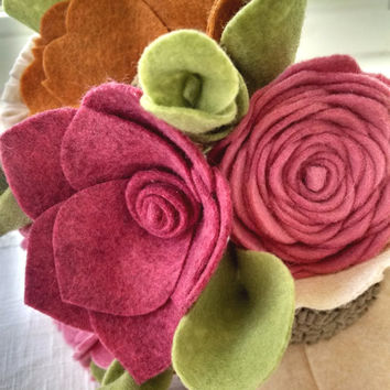 Wedding bouquet, wool felt flower bouquet, flower arrangement, bridesmaid bouquet, pink flower bouquet, wildflower bouquet, wedding decor