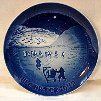 1970s Bing & Grondahl Plate Christmas Plate 1972 Blue and White Plate
