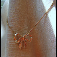 Vintage 1970s Avon Golden Bow Necklace Pretty and Delicate