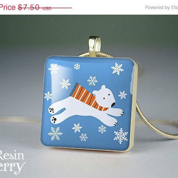 ON SALE: polar bear scrabble tile pendant, polar bear resin pendant, polar bear jewelry pendant,polar bear photo pendant- A0337SI
