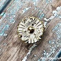Hollywood Regency Dresser Knob French Provincial Furniture Pulls Gold & White Knobs Floral Dresser Knobs Vintage Drawer Knobs Cabinet Knobs