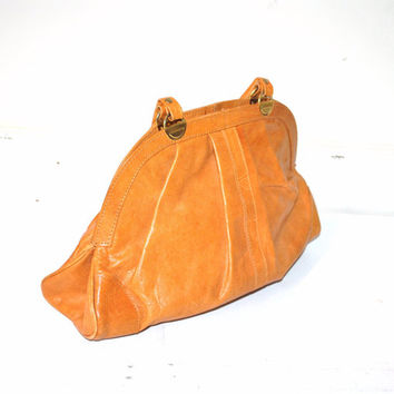large CARAMEL leather purse vintage 70s 1970s BOHO rounded doctor style TOP handle hand bag