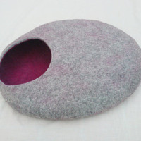 XL - Handmade felt cat bed / cat cave/ cat house / cat basket / Felted merino wool with CATMINT - Grey and fuchsia - Gift ball