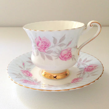 English Paragon Fine Bone China By Appointment to Her Majesty the Queen Tea Cup and Saucer Tea Party Ca. 1960's