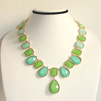 Spring Mint Necklace,Drop Gemstone Bib, Bridesmaids Gift Jewelry, Green Statement Necklace, Free Gift Box Packaging Available