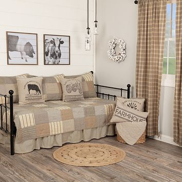Sawyer Mill Charcoal Daybed Quilt Set