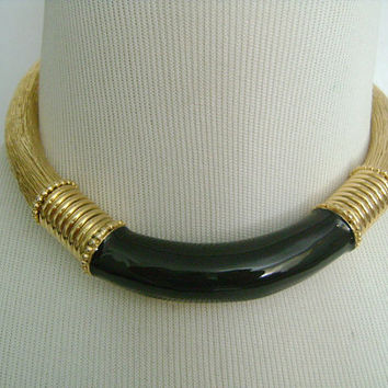 Amazing Textured Gold Tone With Black Enamel Accent Front Flexible Spring Hinged Necklace & Earrings Demi Parure Set Fabulous Unusual Unique