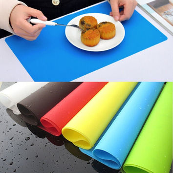 Hot sale 1 PCS Multifunctional Kitchen Silicone Dining Placemat Adiabatic Bakeware Rolling Mat