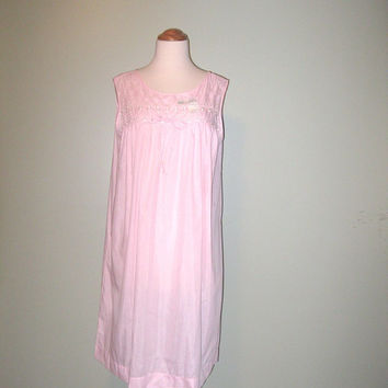 Vintage 1960's Light Pink Komar Babydoll Nightie Nightgown / Women / Vintage Lingerie / S / M