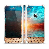 The Paradise Sunset Ocean Dock Skin Set for the Apple iPhone 5s