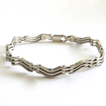 Vintage Italian Sterling Silver Unique Wavy Link  Bracelet with Lobster Claw Clasp - 7 Inches - 10 grams, Stackable Bracelet