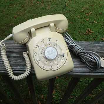 1960s Vintage Ivory Rotary Dial Telephone by Western Electric, Bell System, Non-Remove Headset Cord, Wall Cord, Vintage Phone, Vintage Tech