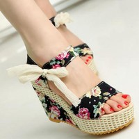 Women Floral / Solid Summer Wedge Sandals With  Ribbon Tie Closure