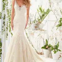 [199.99] Elegant Tulle V-neck Neckline Mermaid Wedding Dresses with Lace Appliques - dressilyme.com