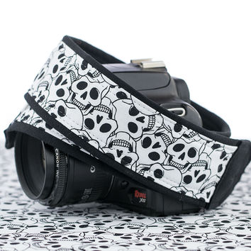 113 Camera Strap Skulls dslr, slr, mirrorless