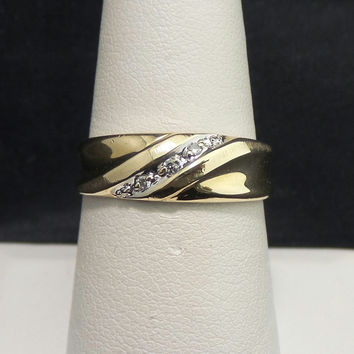 Solid 10K Yellow Gold Etched 7mm Tapered 3 Diamond Wedding Band - Size 8