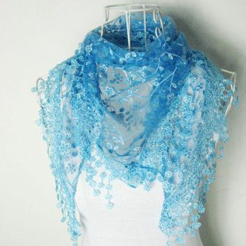 New Brand design Summer Lady Lace Scarf Tassel Sheer Metallic Women Triangle Bandage Floral scarves Shawl