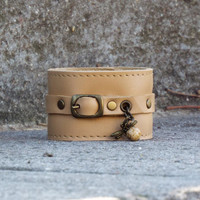 Nude leather cuff. Woman leather wrist band. Leahter bracelet.