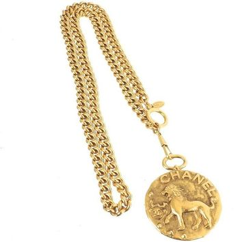 Chanel Vintage Rare Gold Large Coin Medallion Lion Charm Chain Link Necklace