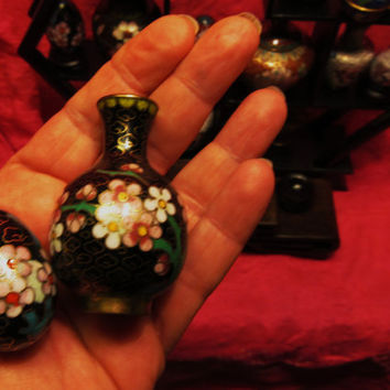 Amazing Vintage Cloisonne  Miniature Black Set of 2  Vase   And Egg  Free Shipping in USA SALE