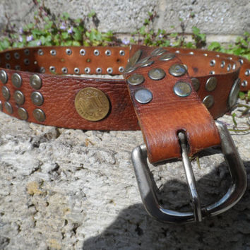 Vintage leather belt - Ladies leather coin belt - Moroccan leather coin belt 1970's women's boho fashion piece