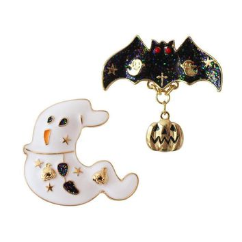 Daisies Enamel Halloween Badges White Ghost Black Bats Pumpkin Punk Cartoon Personalized Brooches Pin For Women Girls Clothing