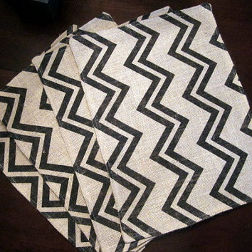 Burlap Placemat, Chevron and Natural Reversible, Zig Zag Print, Double Layer