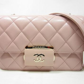 CHANEL 2017 S/S collection NEW MATRASSE CLASSIC FLAP BAG PINK