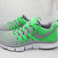 NEW MEN'S NIKE FREE TRAINER 5.0 579809-300 POISON GREEN/ STADIUM GREY- WHITE