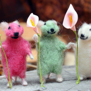 Cute  felted mouse  carrying flower!