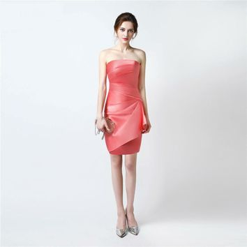 Strapless Coral Beach Bridesmaid Dresses Pleated Satin Above Knee Straight Short Mini Girls Brides Maid Dresses