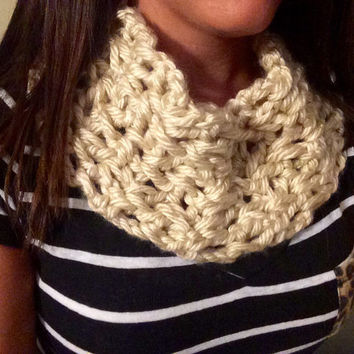 Hand Made Beige Infiniti Scarf, Hand Crochet, Fall Scarf, Cream Scarf, Off White Cowl, Small Chunky Cowl, Cowl, Crochet Cowl