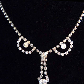 Vintage 1950s Clear Brilliant Cut Glass Rhinestone Drop Necklace Rhodium Plated Silver Tone Pronged Stones Prom Date