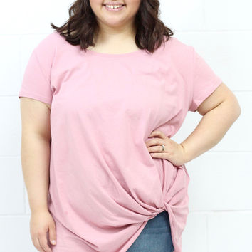 Curvy: Get Twisted Short Sleeve Top {Rose}