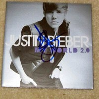 JUSTIN BIEBER signed AUTOGRAPHED MyWorld Cd COVER !