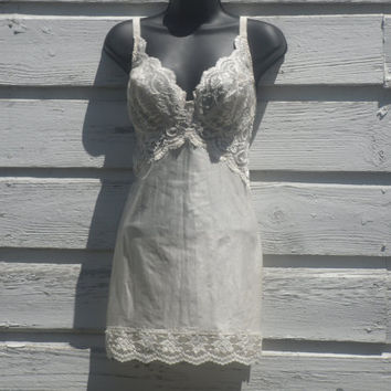 Vintage Vanity Fair Body Shaper Slip Nightie Lingerie Lace Gown Cream White 34D Form Fitting