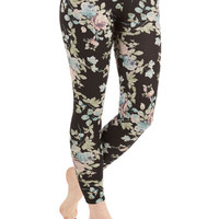 ModCloth Vintage Inspired Skinny Romantically Radiant Leggings