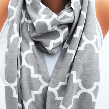 GRAY INFINITY SCARF, Gray quatrefoil scarf, tile infinity scarf, geometric print scarf, loop scarf, autumn fashion, fall style