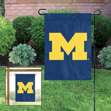 NCAA Team GARDEN/WINDOW FLAG