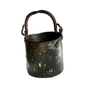 HEAVY antique copper bucket Primitive pail WROUGHT iron handle HAMMERED dove tail seams Farmhouse hanging pot Rustic houseware, home decor