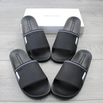 ca spbest Prada pool slides  black