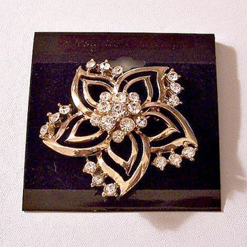 Rhinestone Flower Pin Brooch Gold Tone Vintage Open Rib Scallop Edges