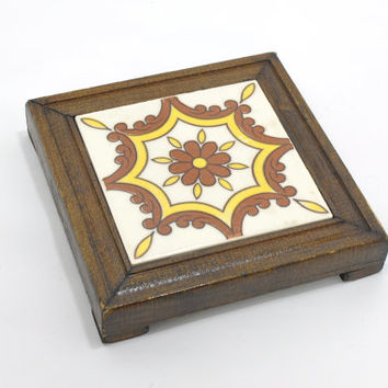 Vintage Trivet Tile • 1970s Ceramic Tile Trivet • Floral Pot Holder • Mexican Tile • Wooden Trivet • Yellow + Brown • Folk Art 1970s